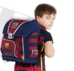 plecaki szkolne, chłopiec